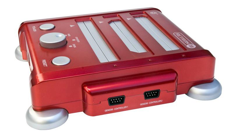 RetroN 4 : les consoles NES, Super Nes, GameBoy et Megadrive regroupées dans un seul boîtier.
