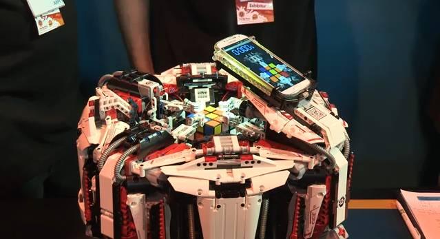 Le Lego CubeStormer 3 remporte le record du monde de Rubik's Cube