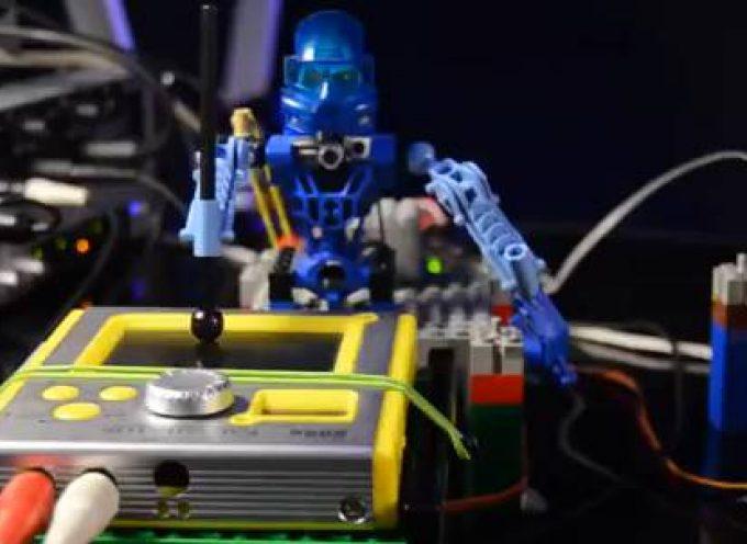 Depeche Mode joué par des Lego, everything sounds