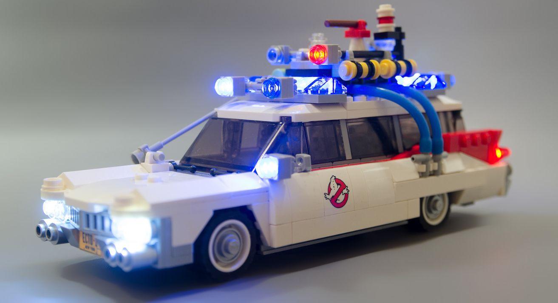 Ghostbusters Ecto-1 en LEGO® + Arduino