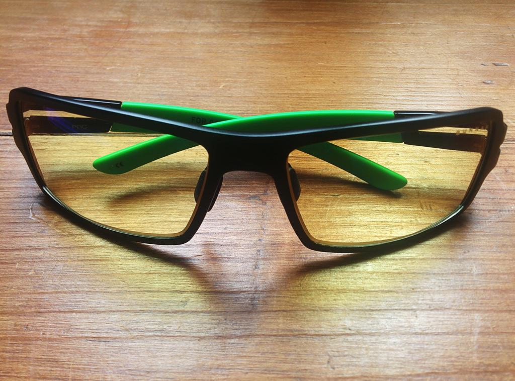 Confort Look. Constituées en majeure partie en métal, les lunettes Gunnar X  Razer ... 79da8b40233b