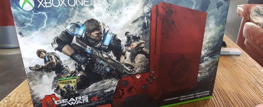 Des photos de la Xbox One S édition limitée Gears of War