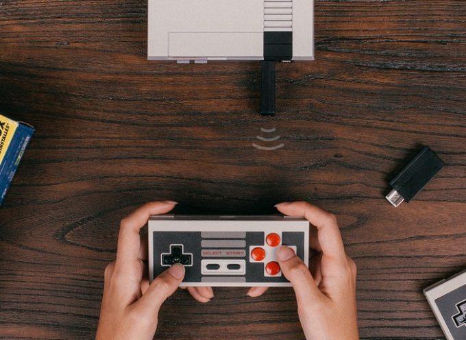 Manette + adaptateur Bluetooth 8BitDo pour NES Classic