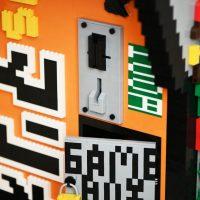 Borne arcade Donkey Kong en LEGO - Monnayeur