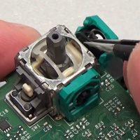 Comment réparer un stick analogique sur Xbox One / Xbox 360