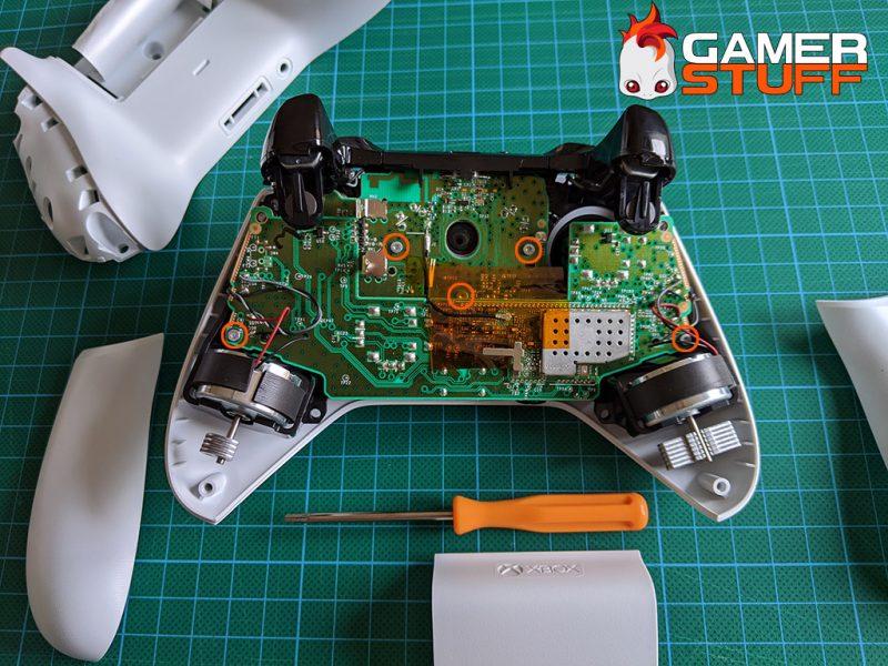 tuto demonter manette Microsoft Xbox One S