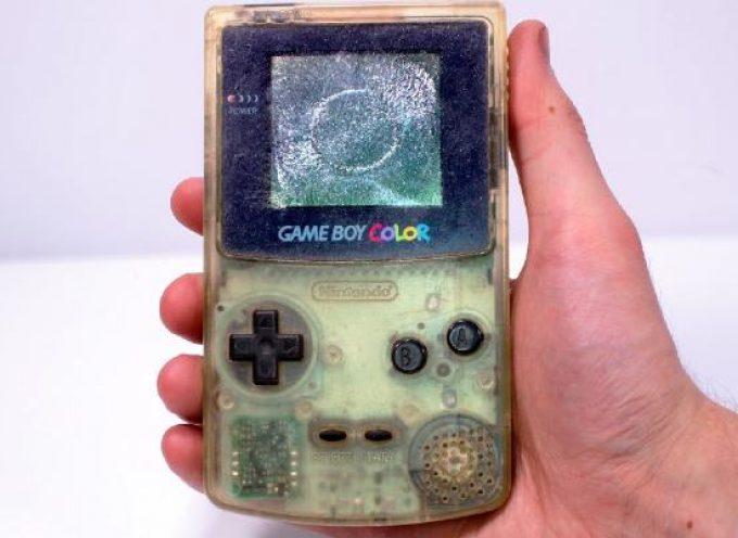 Restaurer un vieux Game Boy Color pété acheté 2$ sur Ebay